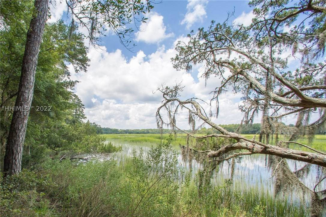 8. Land for Sale at 31 Headwaters Road Bluffton, South Carolina 29910 United States