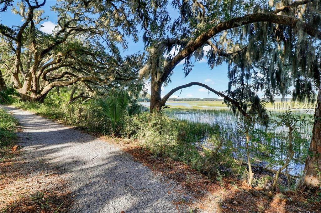 10. Land for Sale at 25 Old Oak Road Bluffton, South Carolina 29909 United States