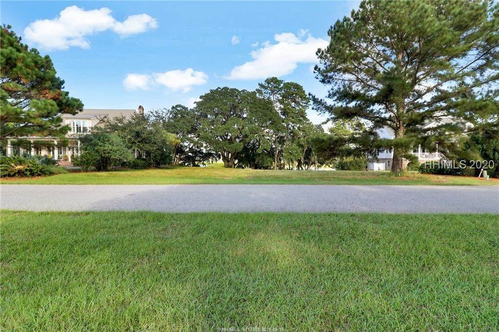 32. Land for Sale at 25 Old Oak Road Bluffton, South Carolina 29909 United States