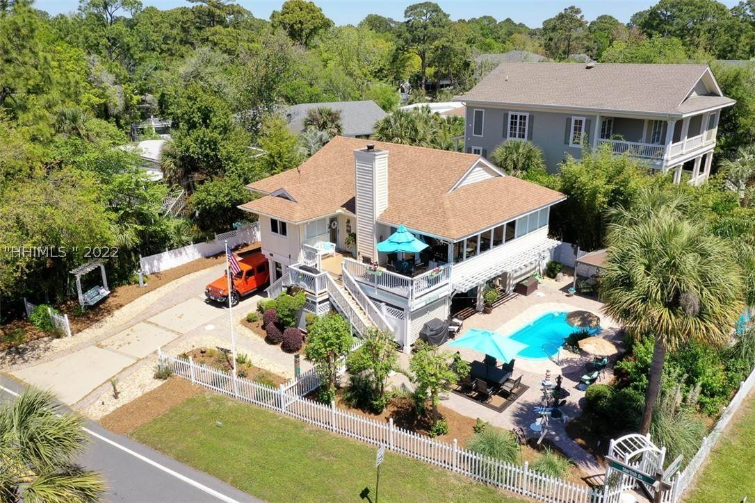 Single Family Homes for Sale at 1 Sand Dollar Road Hilton Head Island, South Carolina 29928 United States