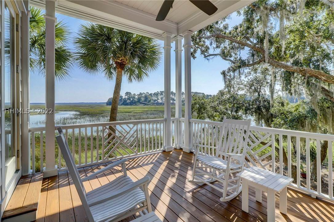 Single Family Homes for Sale at 10 Lady Slipper Island Court Bluffton, South Carolina 29910 United States