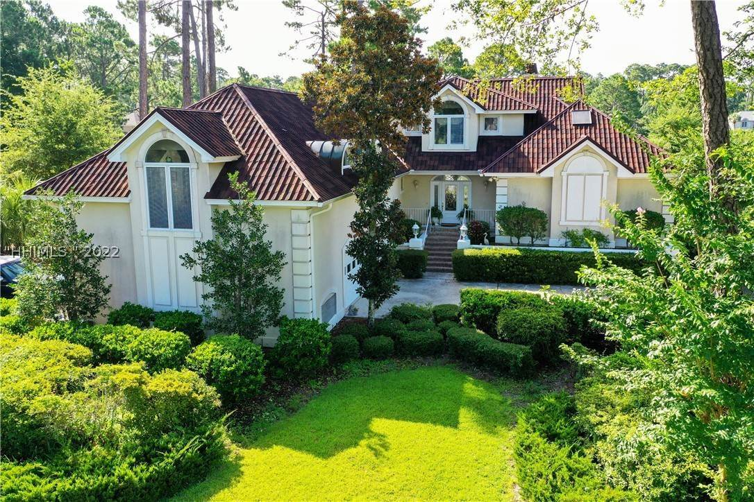 Single Family Homes for Sale at 10 Yorkshire Drive Hilton Head Island, South Carolina 29928 United States