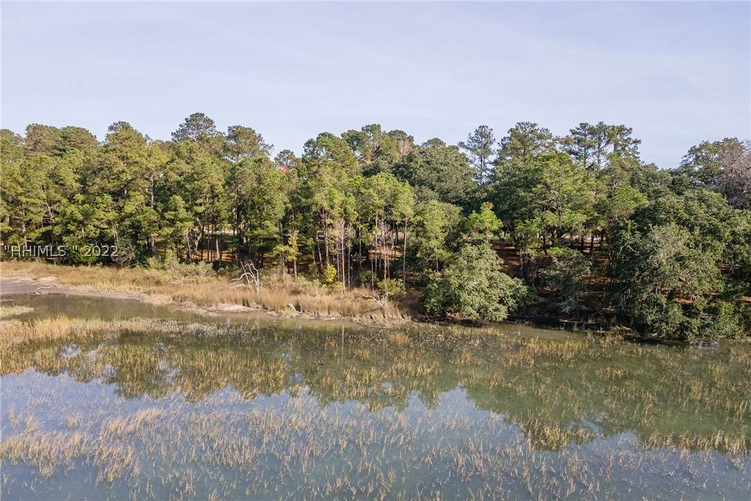 24. Land for Sale at 172 Oldfield Way Bluffton, South Carolina 29909 United States
