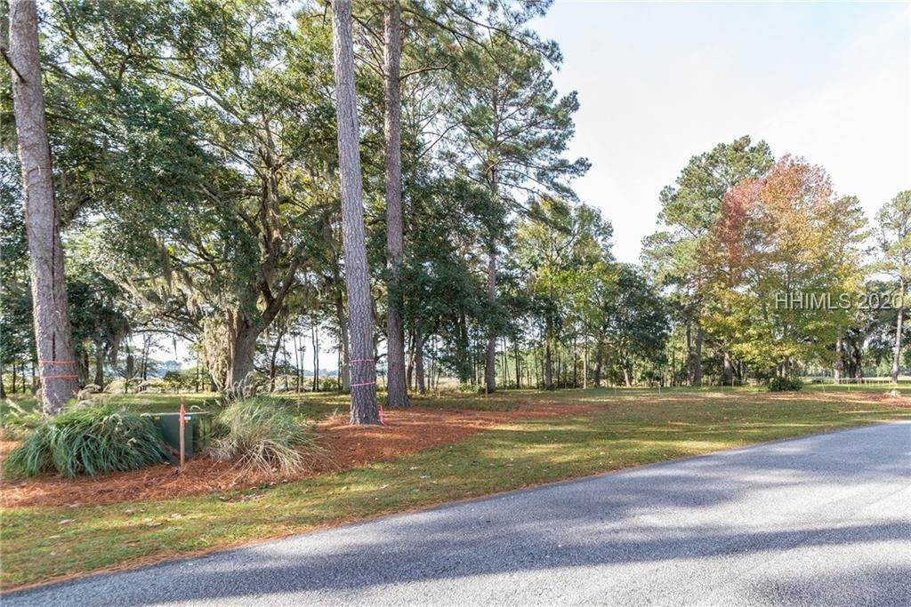 31. Land for Sale at 172 Oldfield Way Bluffton, South Carolina 29909 United States