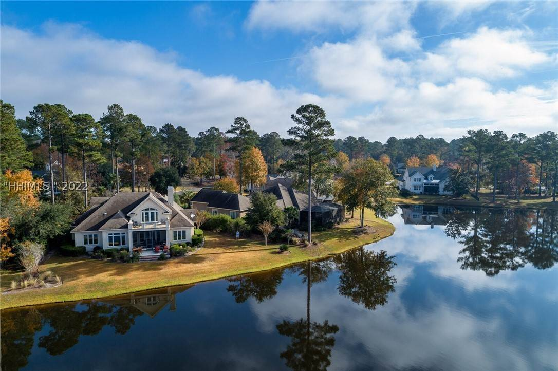 Single Family Homes for Sale at 11 Berwyn Circle Bluffton, South Carolina 29910 United States
