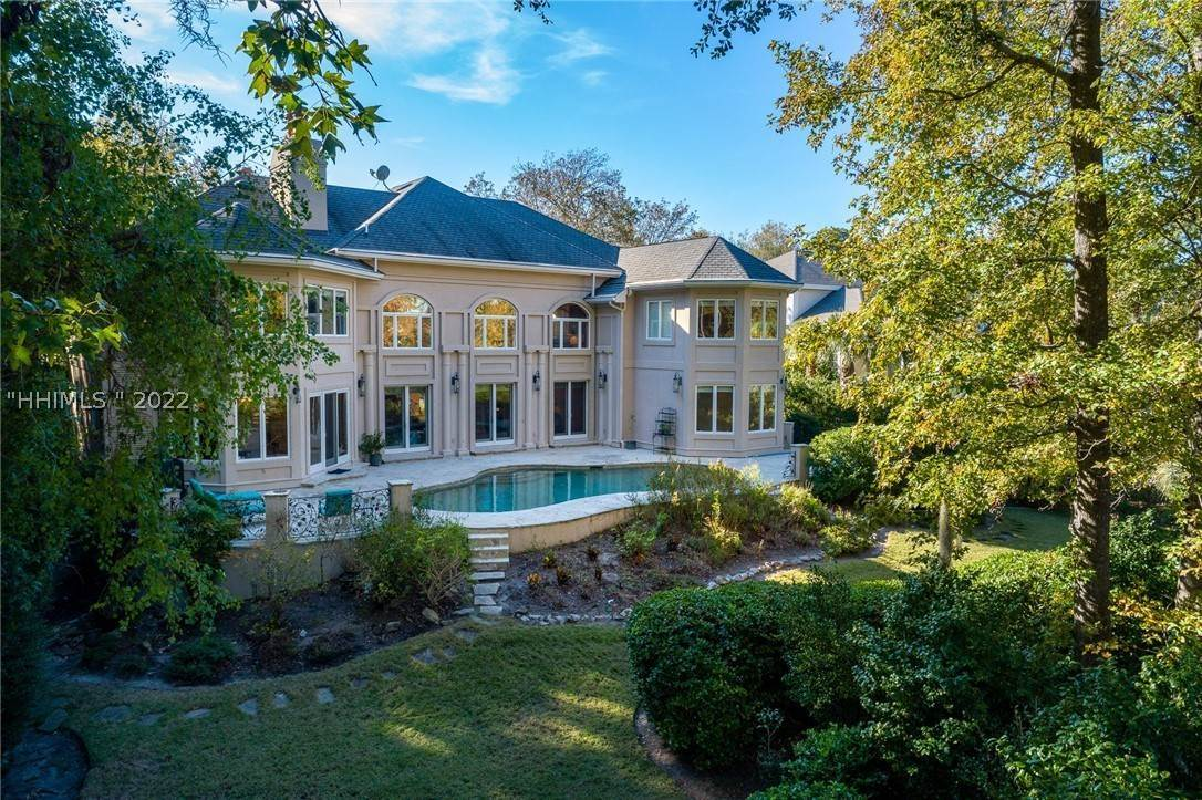 Single Family Homes for Sale at 9 Oxford Drive Hilton Head Island, South Carolina 29928 United States