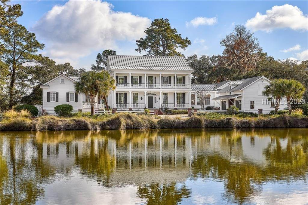 Single Family Homes for Sale at 12 Carrier Bluff Bluffton, South Carolina 29909 United States