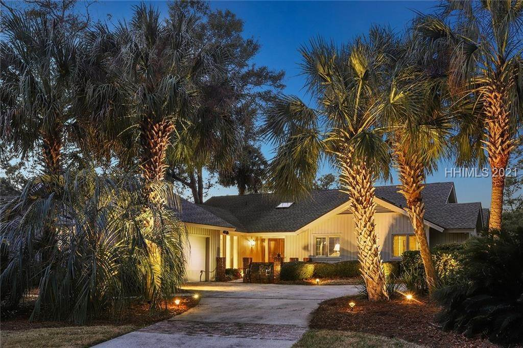Single Family Homes for Sale at 3 Niblick Court Hilton Head Island, South Carolina 29928 United States