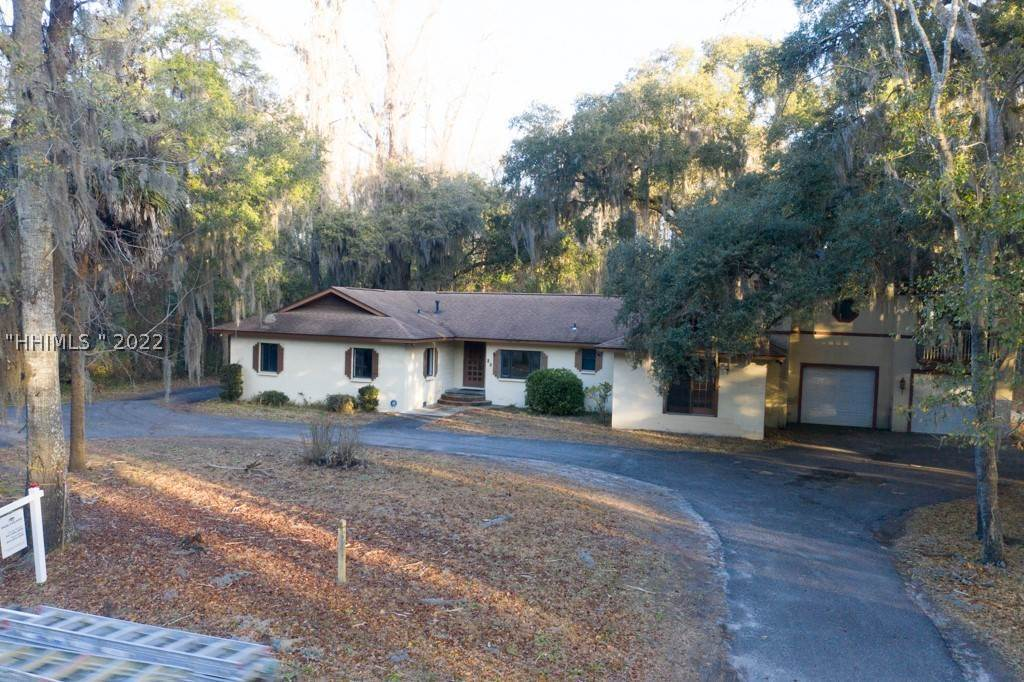 Commercial for Sale at 23 Bruin Road Bluffton, South Carolina 29910 United States
