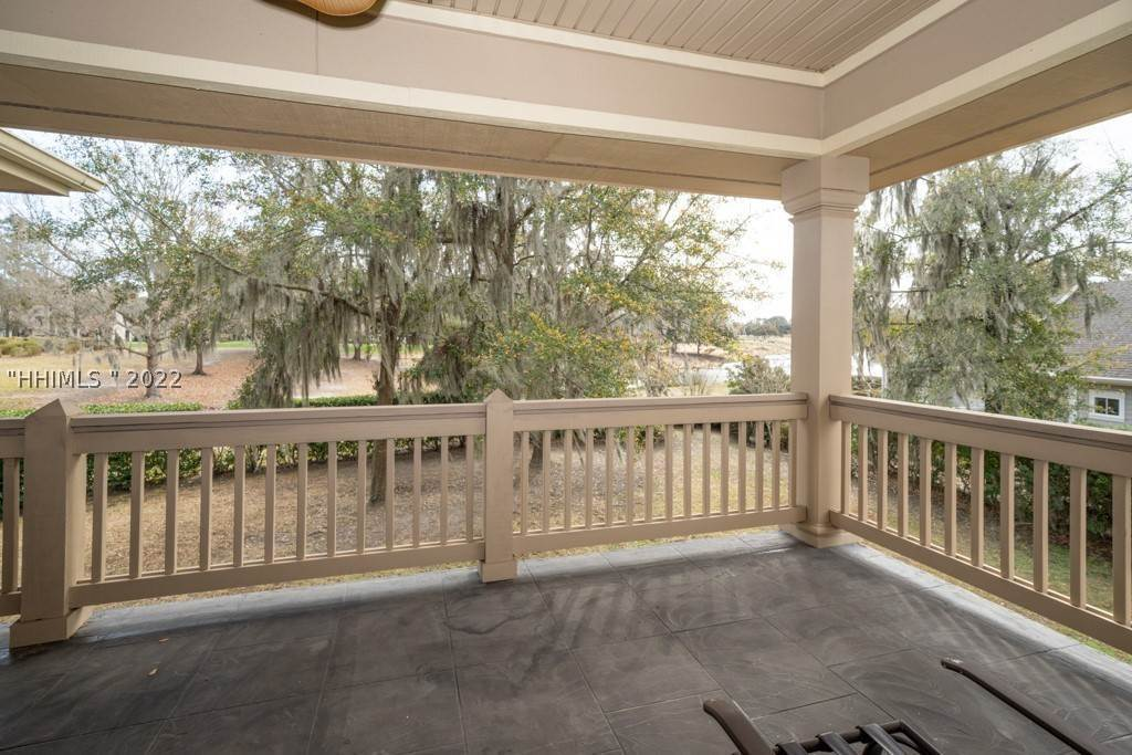 25. Single Family Homes for Sale at 35 Lexington Drive Bluffton, South Carolina 29910 United States