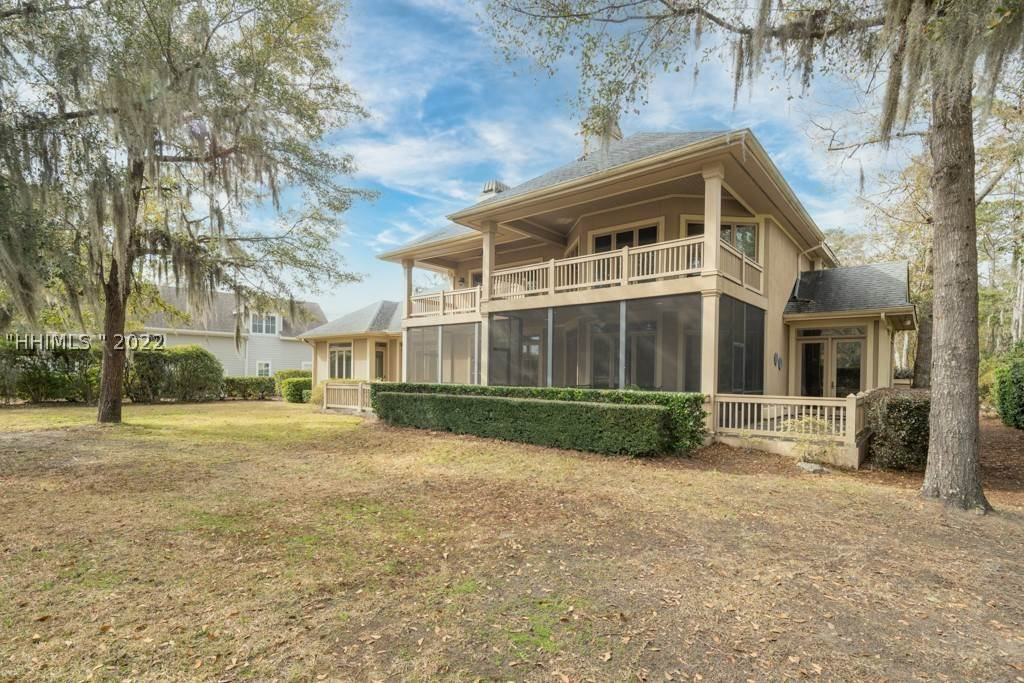 43. Single Family Homes for Sale at 35 Lexington Drive Bluffton, South Carolina 29910 United States