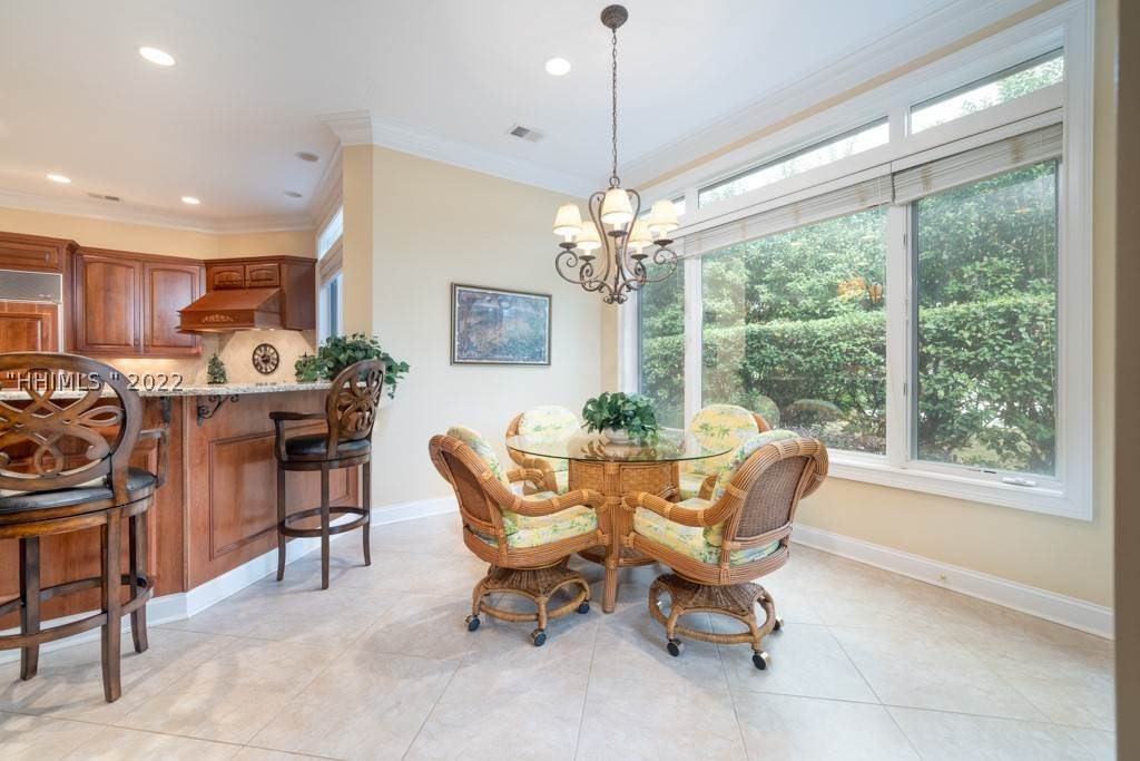 7. Single Family Homes for Sale at 35 Lexington Drive Bluffton, South Carolina 29910 United States