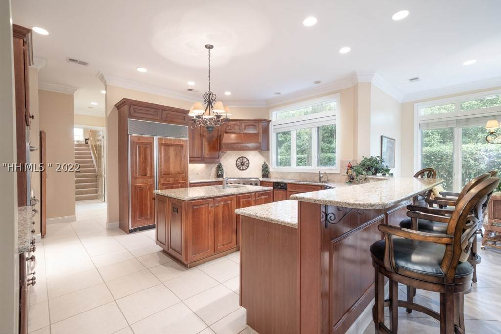 8. Single Family Homes for Sale at 35 Lexington Drive Bluffton, South Carolina 29910 United States