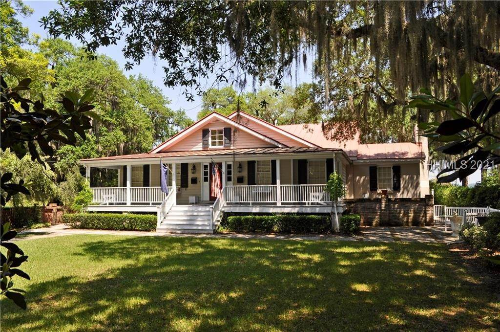 Single Family Homes for Sale at 509 Pinckney Street Beaufort, South Carolina 29902 United States