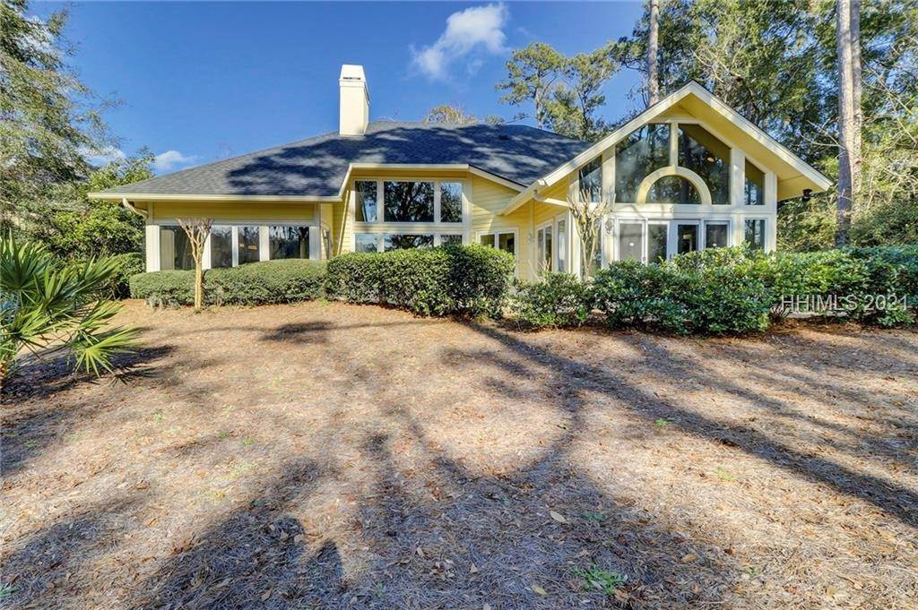 25. Single Family Homes for Sale at 14 Fife Lane Hilton Head Island, South Carolina 29928 United States