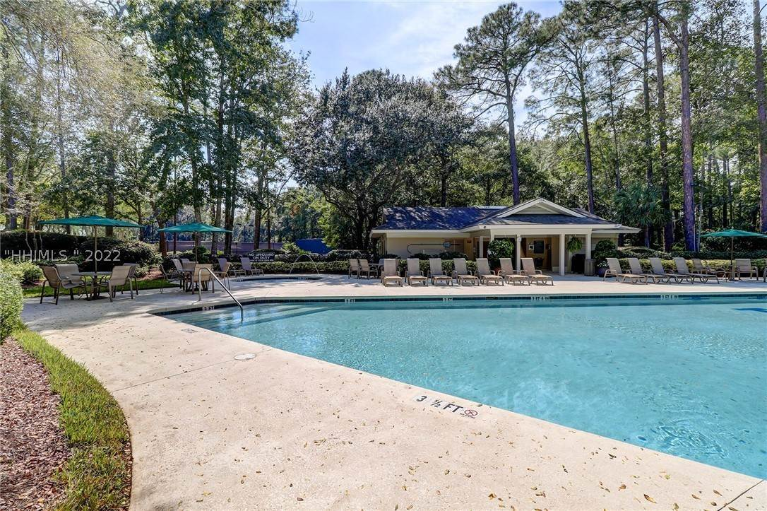 37. Single Family Homes for Sale at 14 Fife Lane Hilton Head Island, South Carolina 29928 United States