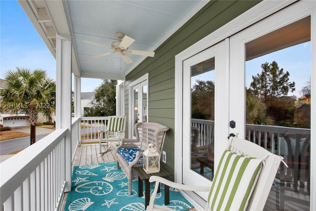 18. Single Family Homes for Sale at 17 Jarvis Creek Lane Hilton Head Island, South Carolina 29926 United States