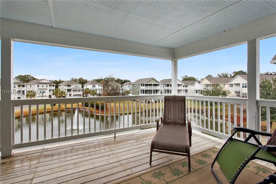 34. Single Family Homes for Sale at 17 Jarvis Creek Lane Hilton Head Island, South Carolina 29926 United States