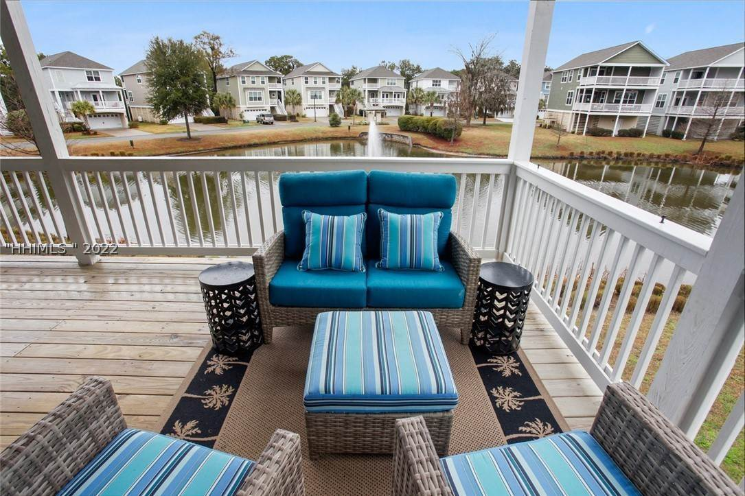 9. Single Family Homes for Sale at 17 Jarvis Creek Lane Hilton Head Island, South Carolina 29926 United States