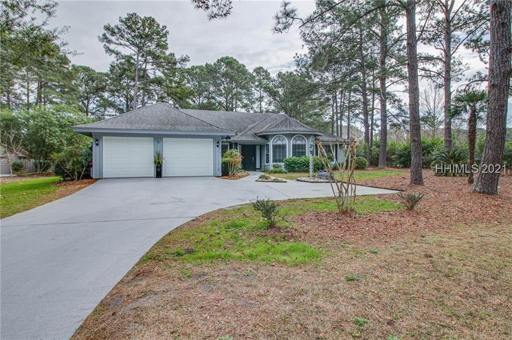 Single Family Homes for Sale at 2 Flying King Court Hilton Head Island, South Carolina 29926 United States