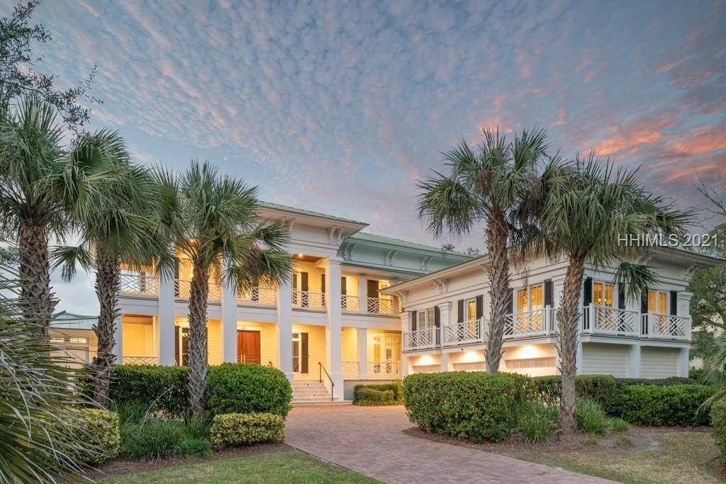 Single Family Homes for Sale at 41 Ribaut Drive Hilton Head Island, South Carolina 29926 United States