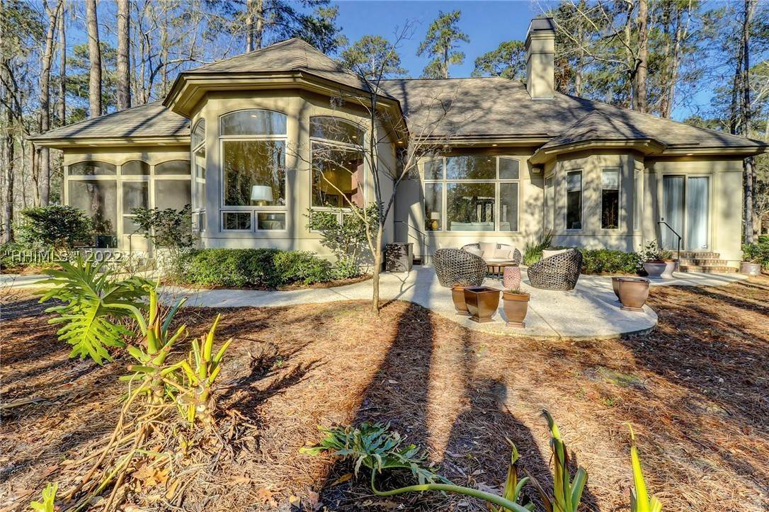 4. Single Family Homes for Sale at 38 Newberry Court Bluffton, South Carolina 29910 United States