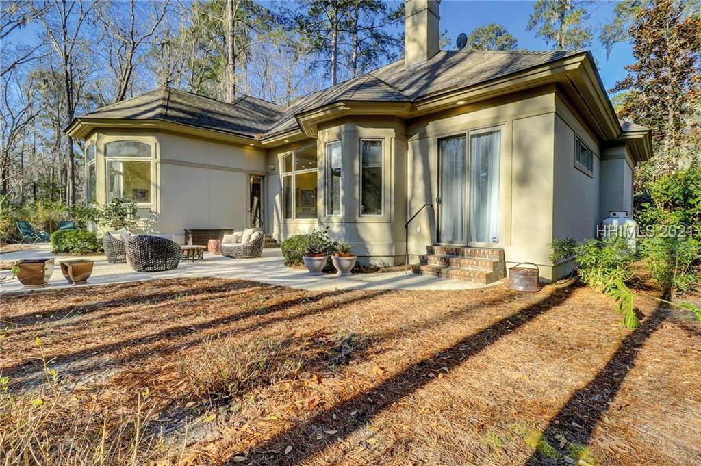 49. Single Family Homes for Sale at 38 Newberry Court Bluffton, South Carolina 29910 United States