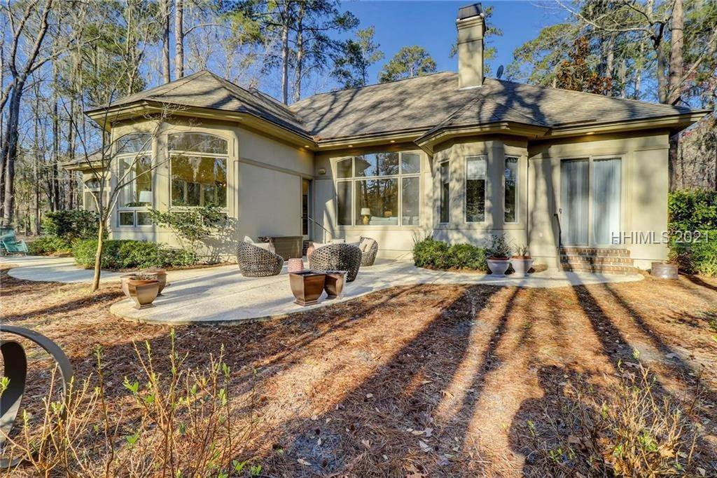 50. Single Family Homes for Sale at 38 Newberry Court Bluffton, South Carolina 29910 United States
