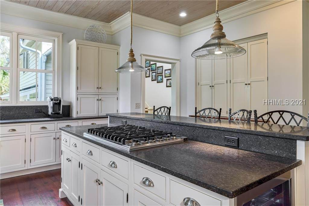 11. Single Family Homes for Sale at 18 Parkman Street Bluffton, South Carolina 29910 United States