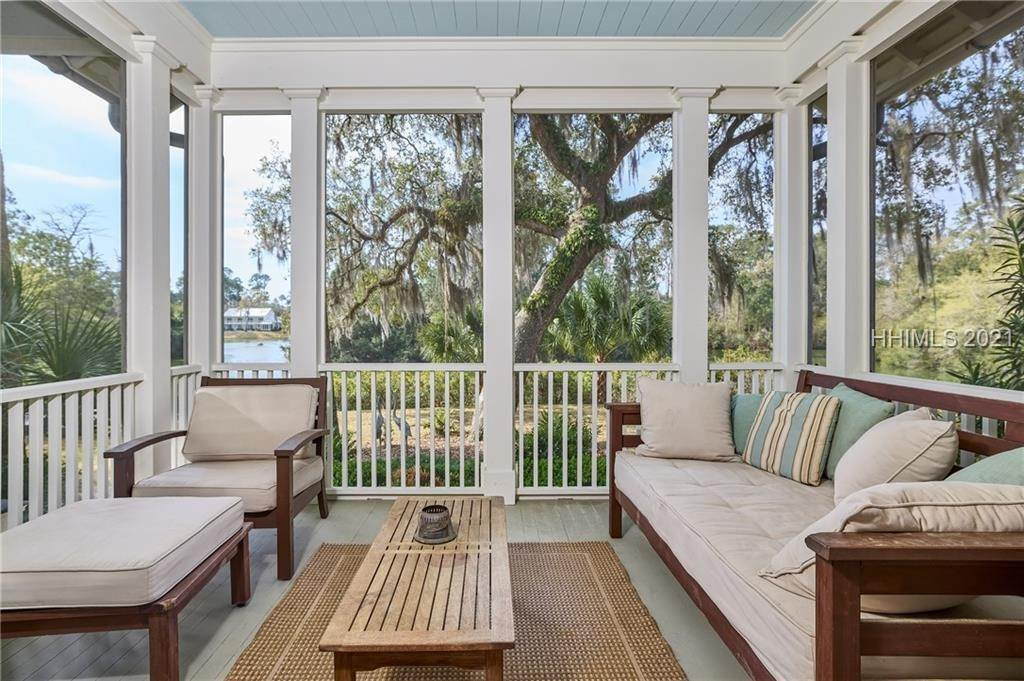 16. Single Family Homes for Sale at 18 Parkman Street Bluffton, South Carolina 29910 United States