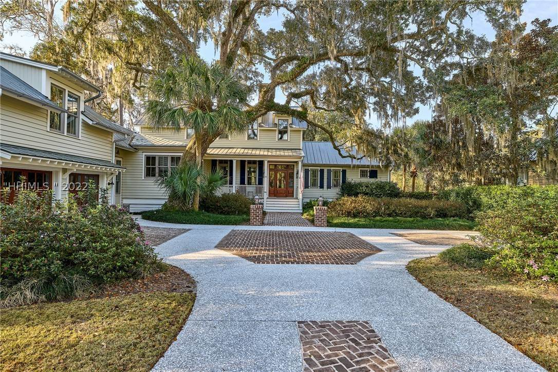 2. Single Family Homes for Sale at 18 Parkman Street Bluffton, South Carolina 29910 United States