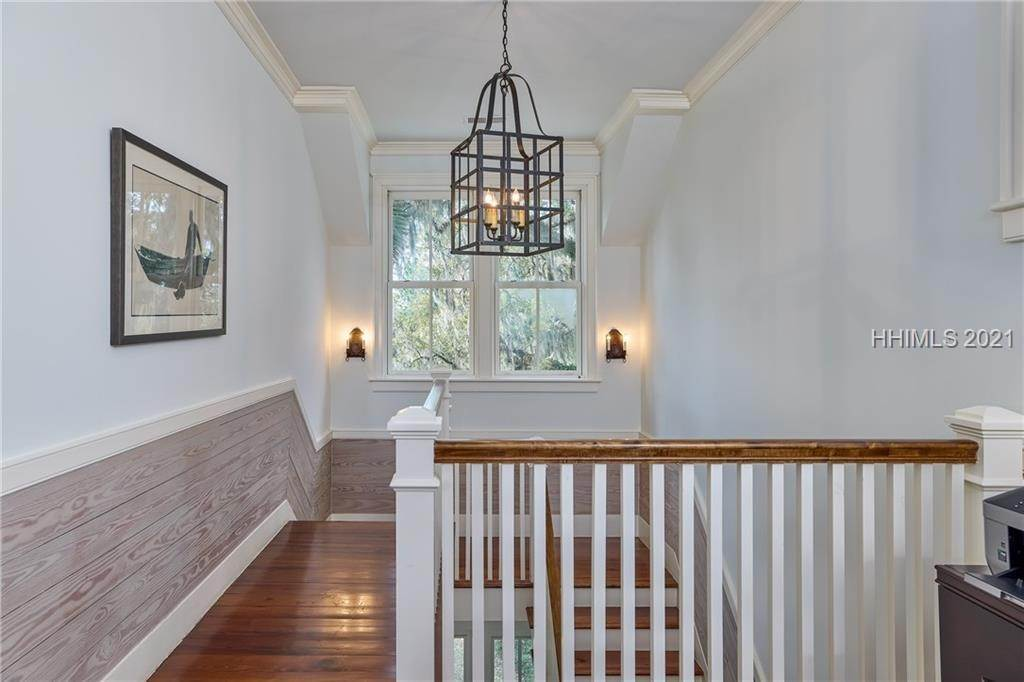 27. Single Family Homes for Sale at 18 Parkman Street Bluffton, South Carolina 29910 United States