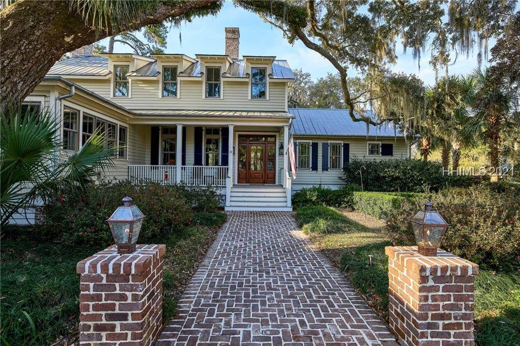 3. Single Family Homes for Sale at 18 Parkman Street Bluffton, South Carolina 29910 United States