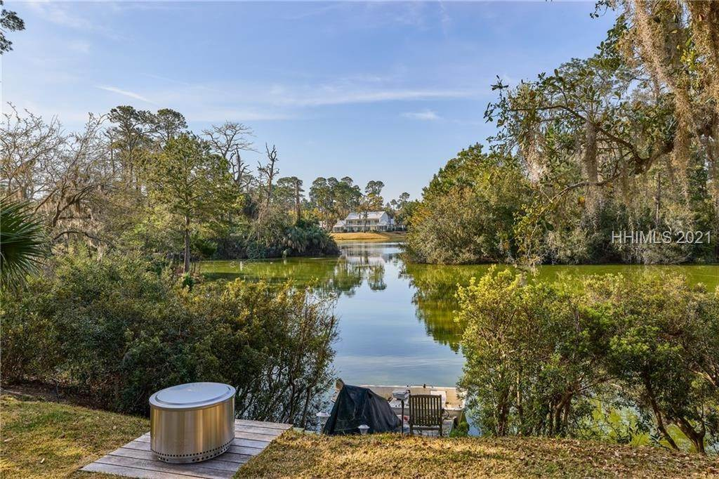 38. Single Family Homes for Sale at 18 Parkman Street Bluffton, South Carolina 29910 United States