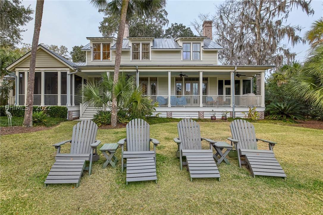39. Single Family Homes for Sale at 18 Parkman Street Bluffton, South Carolina 29910 United States