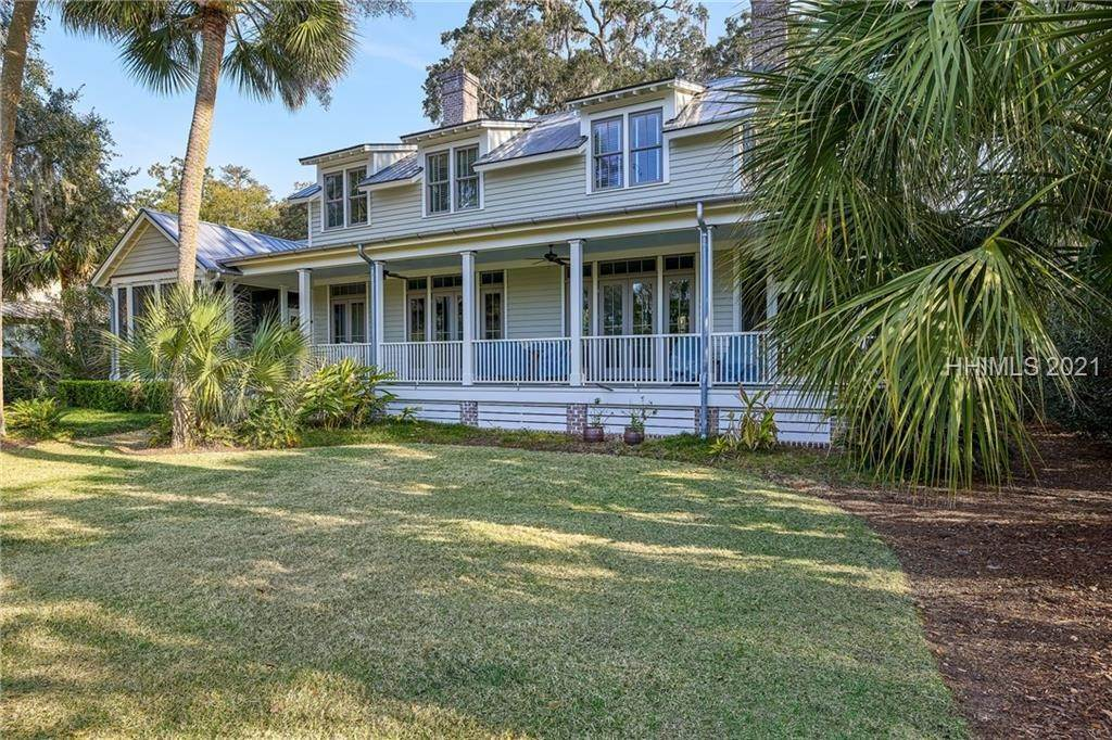 40. Single Family Homes for Sale at 18 Parkman Street Bluffton, South Carolina 29910 United States