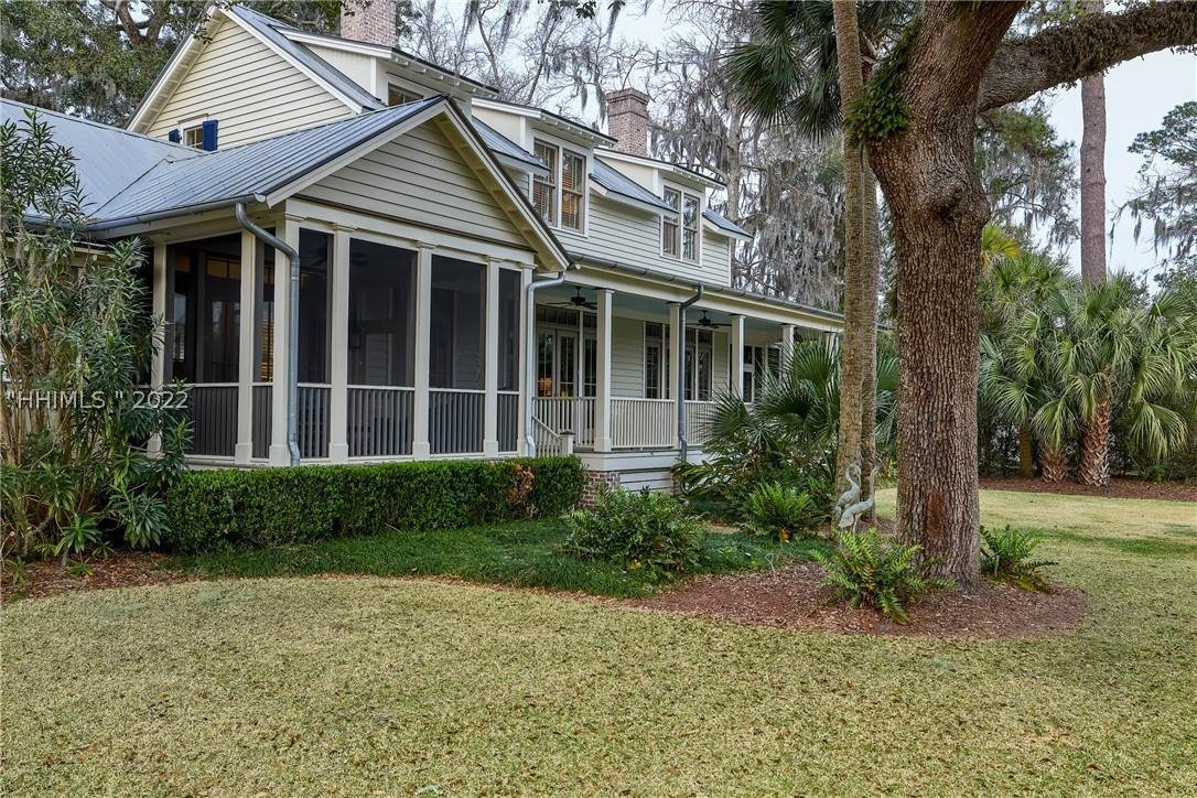 41. Single Family Homes for Sale at 18 Parkman Street Bluffton, South Carolina 29910 United States