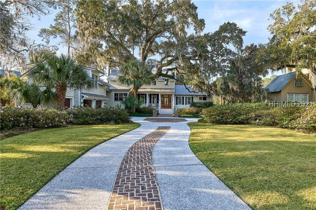 42. Single Family Homes for Sale at 18 Parkman Street Bluffton, South Carolina 29910 United States