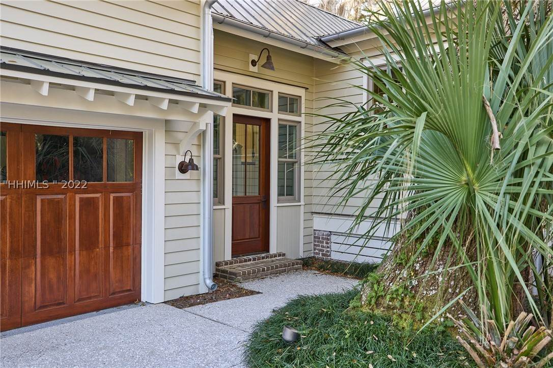 44. Single Family Homes for Sale at 18 Parkman Street Bluffton, South Carolina 29910 United States