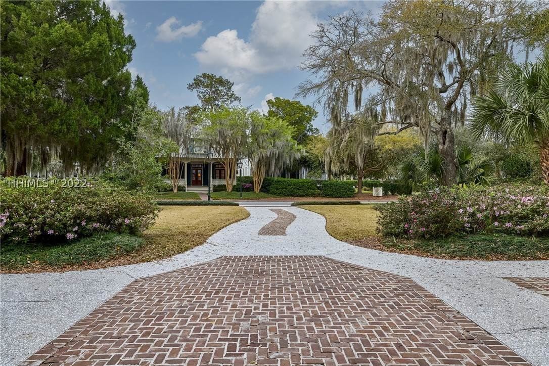 45. Single Family Homes for Sale at 18 Parkman Street Bluffton, South Carolina 29910 United States