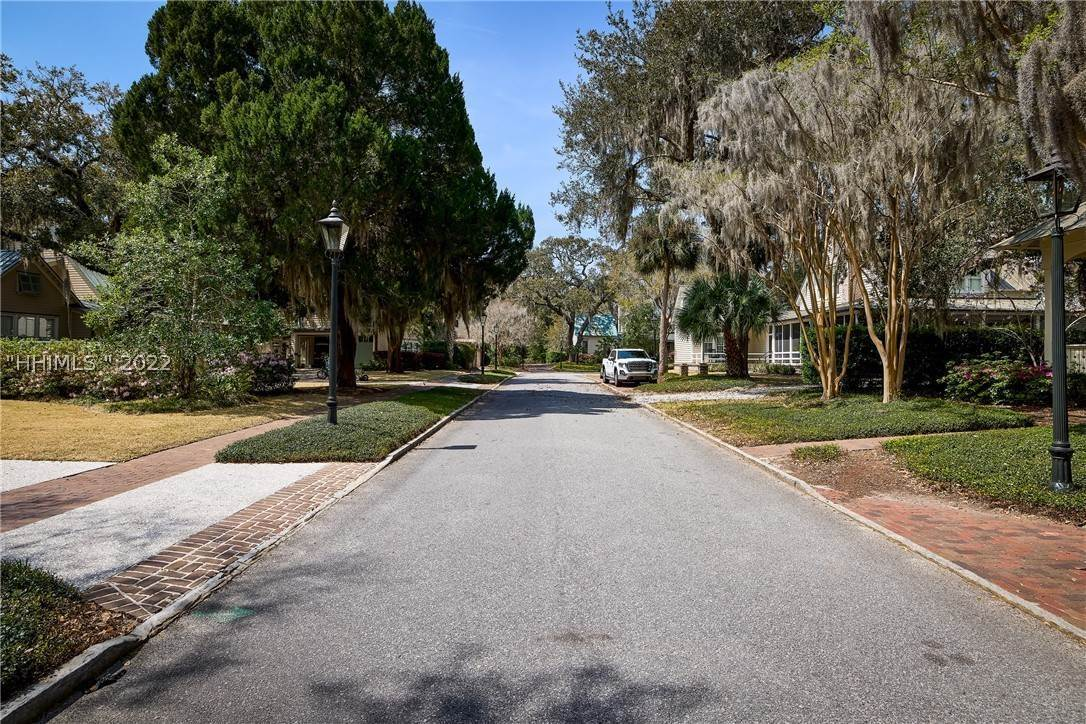 46. Single Family Homes for Sale at 18 Parkman Street Bluffton, South Carolina 29910 United States