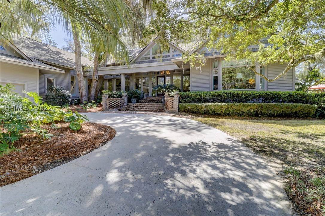 Single Family Homes for Sale at 20 Turnberry Lane Hilton Head Island, South Carolina 29928 United States