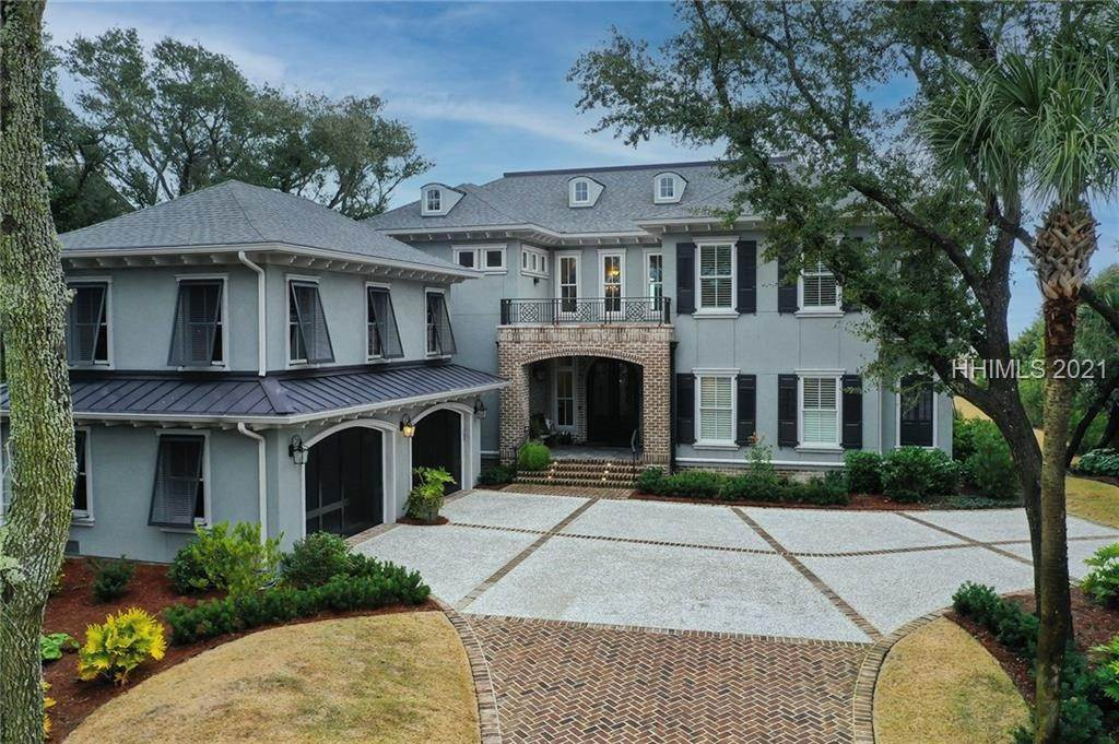 Single Family Homes for Sale at 68 Planters Row Hilton Head Island, South Carolina 29928 United States