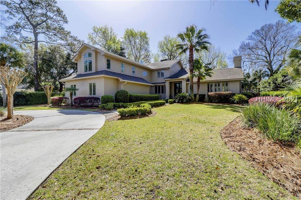 Single Family Homes for Sale at 16 Ridgewood Lane Hilton Head Island, South Carolina 29928 United States