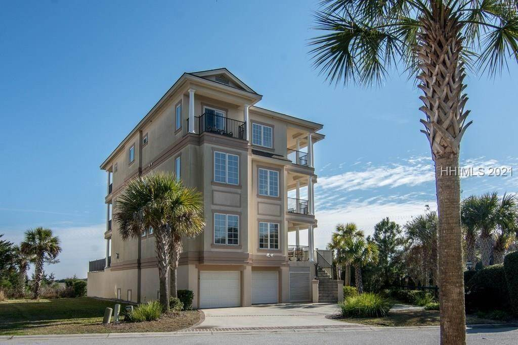 Single Family Homes for Sale at 10 Singleton Shores Manor Hilton Head Island, South Carolina 29928 United States
