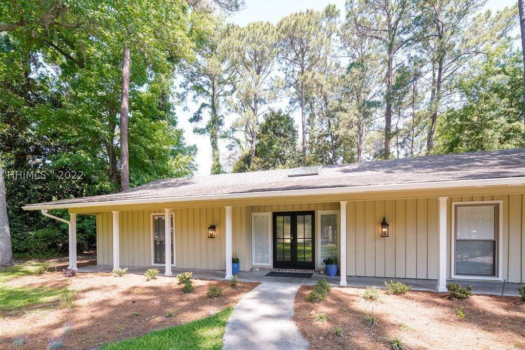 Single Family Homes for Sale at 5 Jessamine Place Hilton Head Island, South Carolina 29928 United States