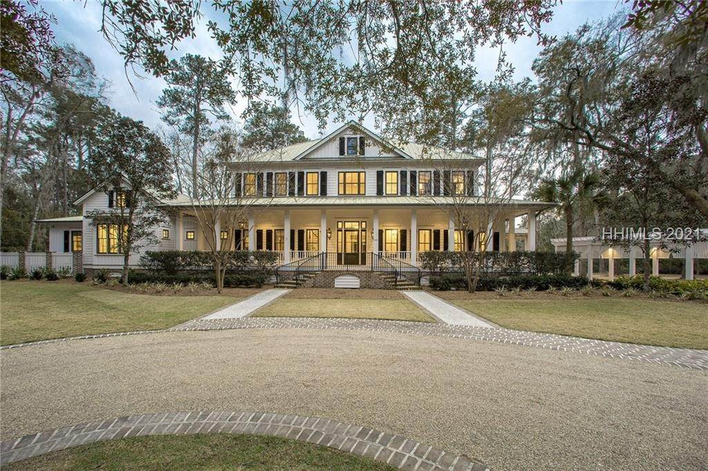 Single Family Homes for Sale at 142 Mount Pelia Road Bluffton, South Carolina 29910 United States