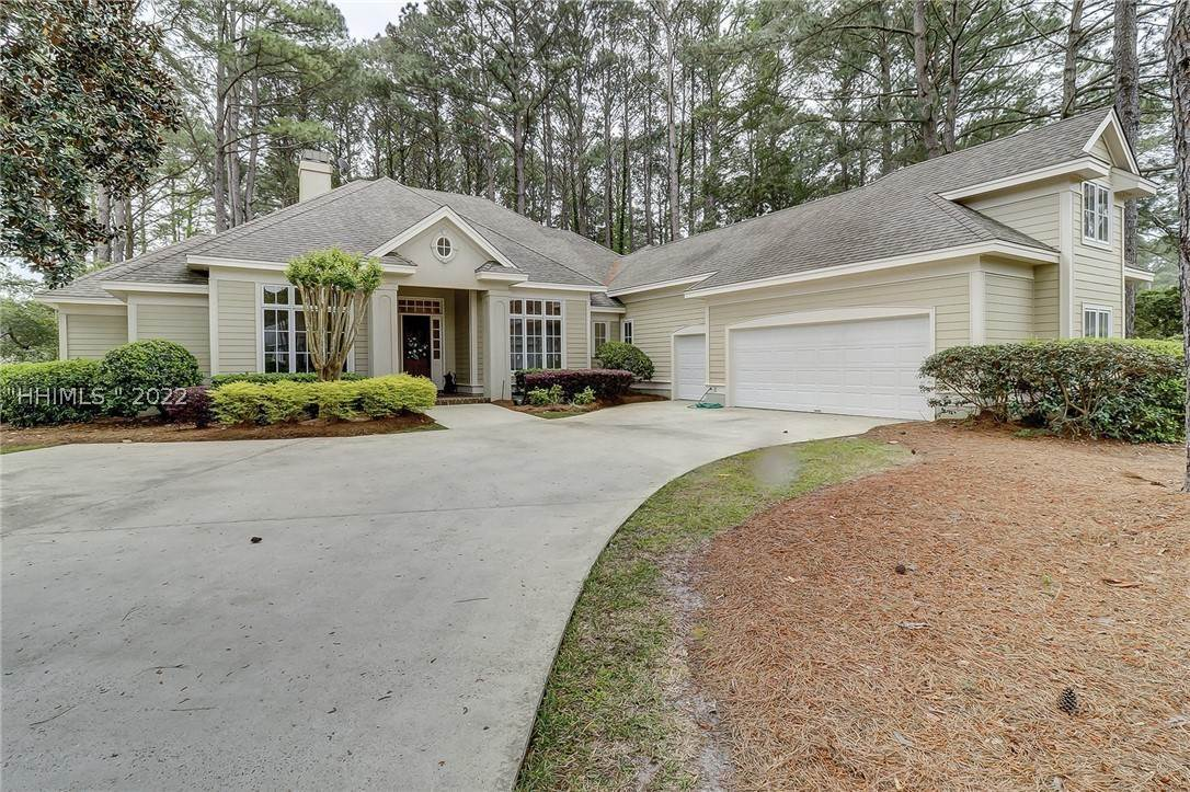 Single Family Homes for Sale at 120 Belfair Oaks Boulevard Bluffton, South Carolina 29910 United States
