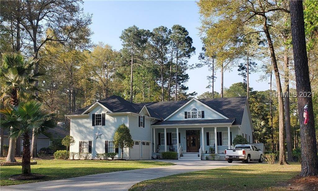 Single Family Homes for Sale at 82 Whiteoaks Circle Bluffton, South Carolina 29910 United States