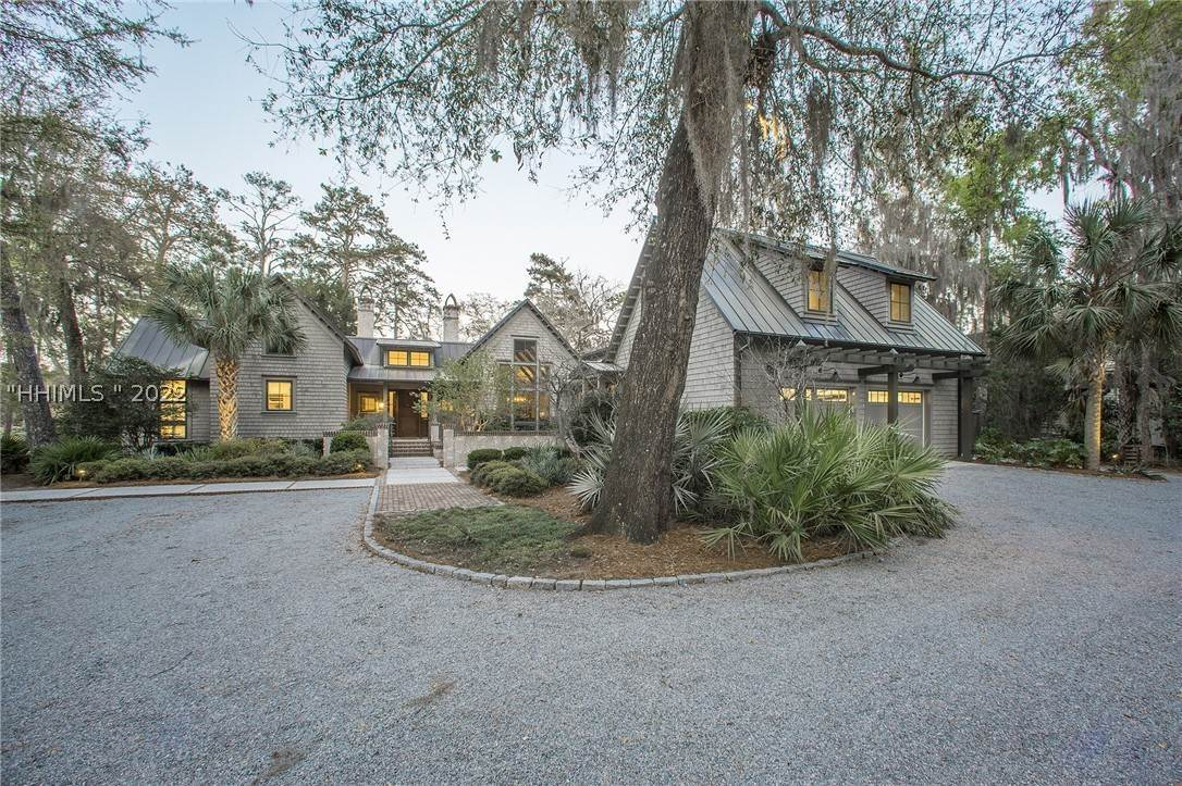 2. Single Family Homes for Sale at 127 Mount Pelia Road Bluffton, South Carolina 29910 United States